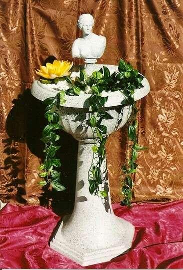 Dekorační fontána s řeckou sochou Afrodite LAMI-DEKOR